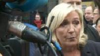 Bain de foule pour Marine Le Pen à Hénin-Beaumont