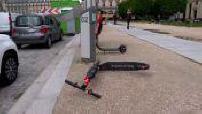 Paris : illustrations trottinettes et verbalisation trottinettes mal garées