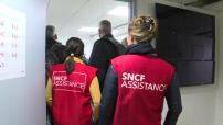 MAG : Les Gilets Rouges à la gare Saint-Lazare mobilisés un jour de grève