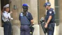 Illustration policiers municipaux s'apprêtant à faire une patrouille en Segway à Marseille