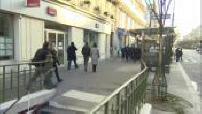 Attentats de janvier 2015 - Marche républicaine : préparatifs, témoignages place de la République (3/3)