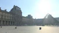 Covid-19: district of the Louvre museum and rue de Rivoli deserts