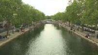 Atmosphere and street scenes of discomfiture in Paris