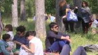 Coronavirus / Deconfinement: crowd enjoying the sun at the Bois de Boulogne