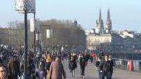 Bordeaux: housing, street scenes, café terraces, garonne