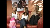 """Interviews des membres du groupe """"All Saints"""" (Plan large)"""