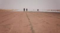 Opération Barkhane au Mali : base militaire française à Gao - atelier de réparation des véhicules