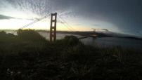 Timelapse lever de soleil au dessus du Golden Gate Bridge