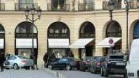 Façades de boutiques et hôtels de luxe à Paris
