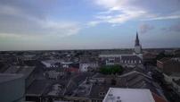 Toits de la Nouvelle Orleans & cargos sur le Mississipi