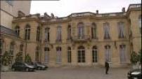 Manuell Valls poursuit ses consultations à Matignon