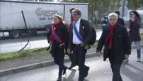 Manifestation de salariés d'Air France et soutien de politiques d'extrême gauche