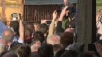 Marine Le Pen en meting dans une ferme et invitée au congrès de la FNSEA