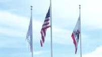 Drapeaux des Etats Unis et de la Californie côte à côte