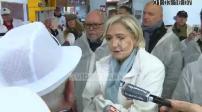 Visit Marine Le Pen to market in Rungis (1/3)