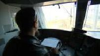 Caméra subjective dans cabine de pilotage d'un train