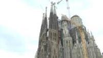 Touristes devant la Sagrada Familia