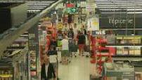 Timelapse des allées d'un supermarché