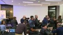Second tour des élections pimaires de la droite : Fillon et Juppé posant ensemble à la haute autorité de la pimaire