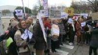 Off: Levothyrox : une centaine de manifestants réclame le retour à l'ancienne formule du médicament