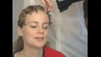 """Tournage """"Bella Ciao"""" : séance habillage pour Isabelle Carré"""