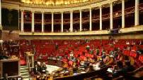 Hemicycle de l'Assemblée Nationale quasiment vide pendant séance de questions au gouvernement