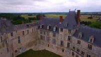 Vue aérienne par drone du château de Saint Brisson