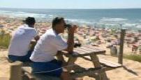 Illustration surveillance de plage + mairie du Porge, en été