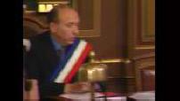 Investiture de Gérard Collomb, maire de Lyon et séance du conseil municipal et réactions
