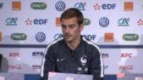 Conférence de presse d'Antoine Griezmann et Didier Deschamps avant France/Pays-Bas