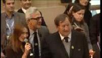 Vente aux enchères aux hospices de Beaune avec Carla Bruni Sarkozy et Guy Roux