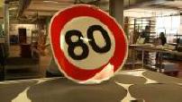 Panneaux 80km/h : le coût de la réforme dépasse-t-il les bornes