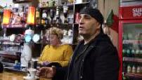 """D'Jal au café """"Chez César et Paul"""" : interviews, discussion avec des Portugais partie 1"""