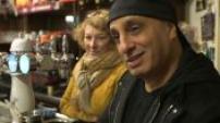 """D'Jal au café """"Chez César et Paul"""" : rencontre et discussion avec des Portugais"""