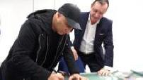 """D'jal à l'association """"Cap Magellan"""" : visite, signature d'autographes partie 1"""