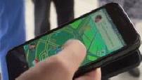 Illustrations people playing Pokemon Go